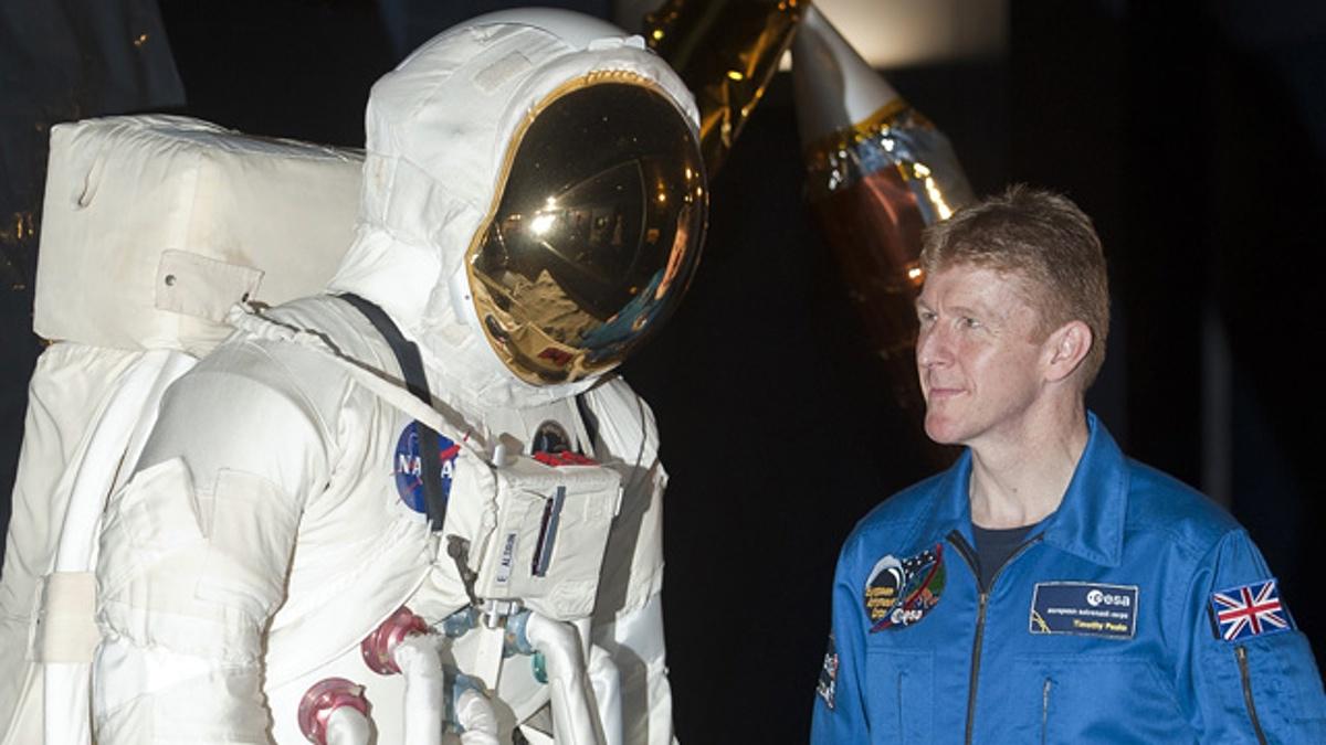 Σε πανικό Βρετανός αστροναύτης: Μην αγριεύετε τον Πούτιν γιατί θα με αφήσει εδώ πάνω