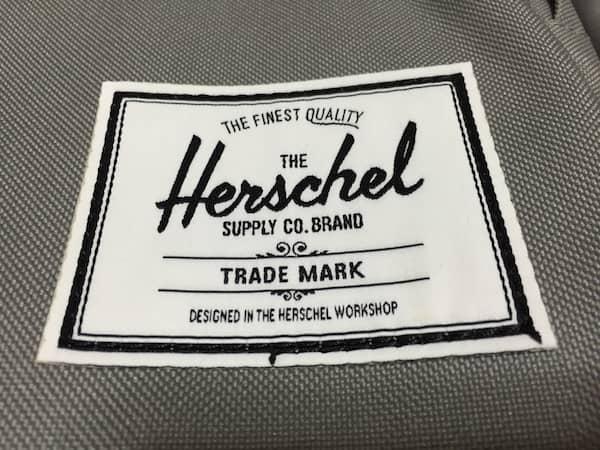 「Herschel」のワッペン