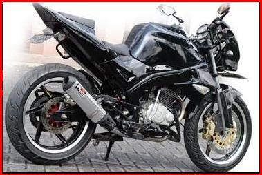 gambar foto modifikasi motor terbaru Honda Tiger Black sport red.jpg