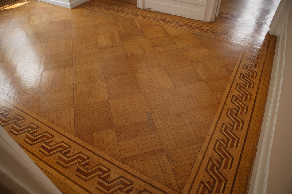 1000 images about the hardwood floor borders on pinterest Hardwood floor designs borders