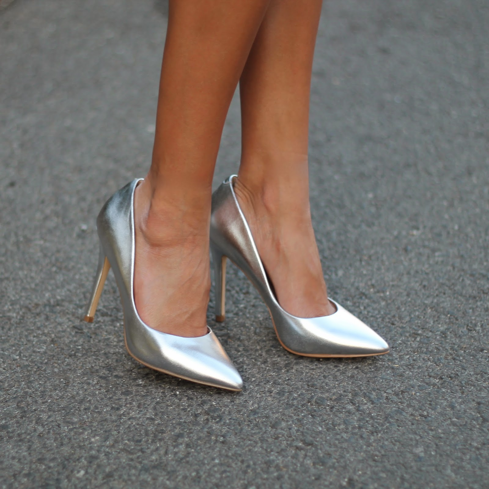 charles david heels, silver pumps, holiday party outfit, what to wear