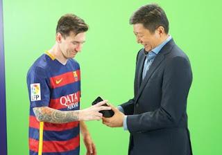 Lionel Messi Kenalkan Advan Terbaru
