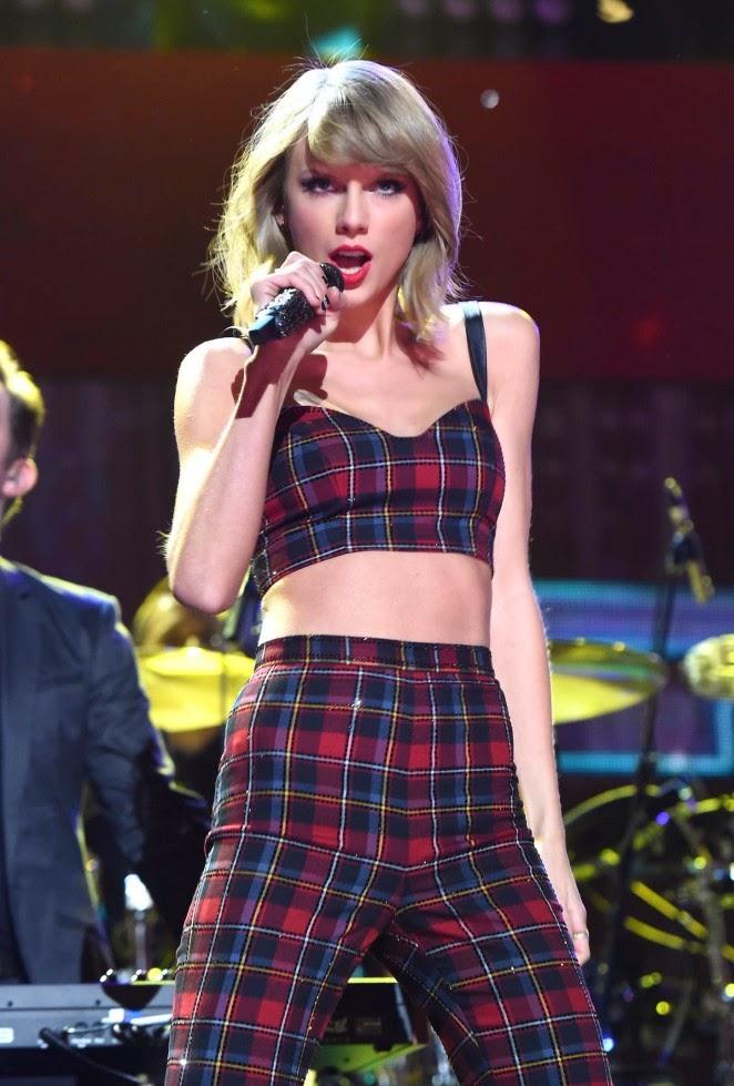 Taylor Swift – Z100's Jingle Ball 2014 in NYC