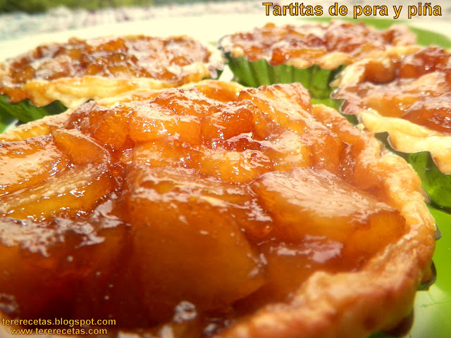 Tartitas de pera y piña.