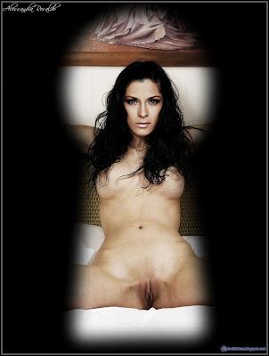 Elise Van Vlaanderen nude -