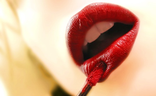 maquillaje de labios para la primera cita