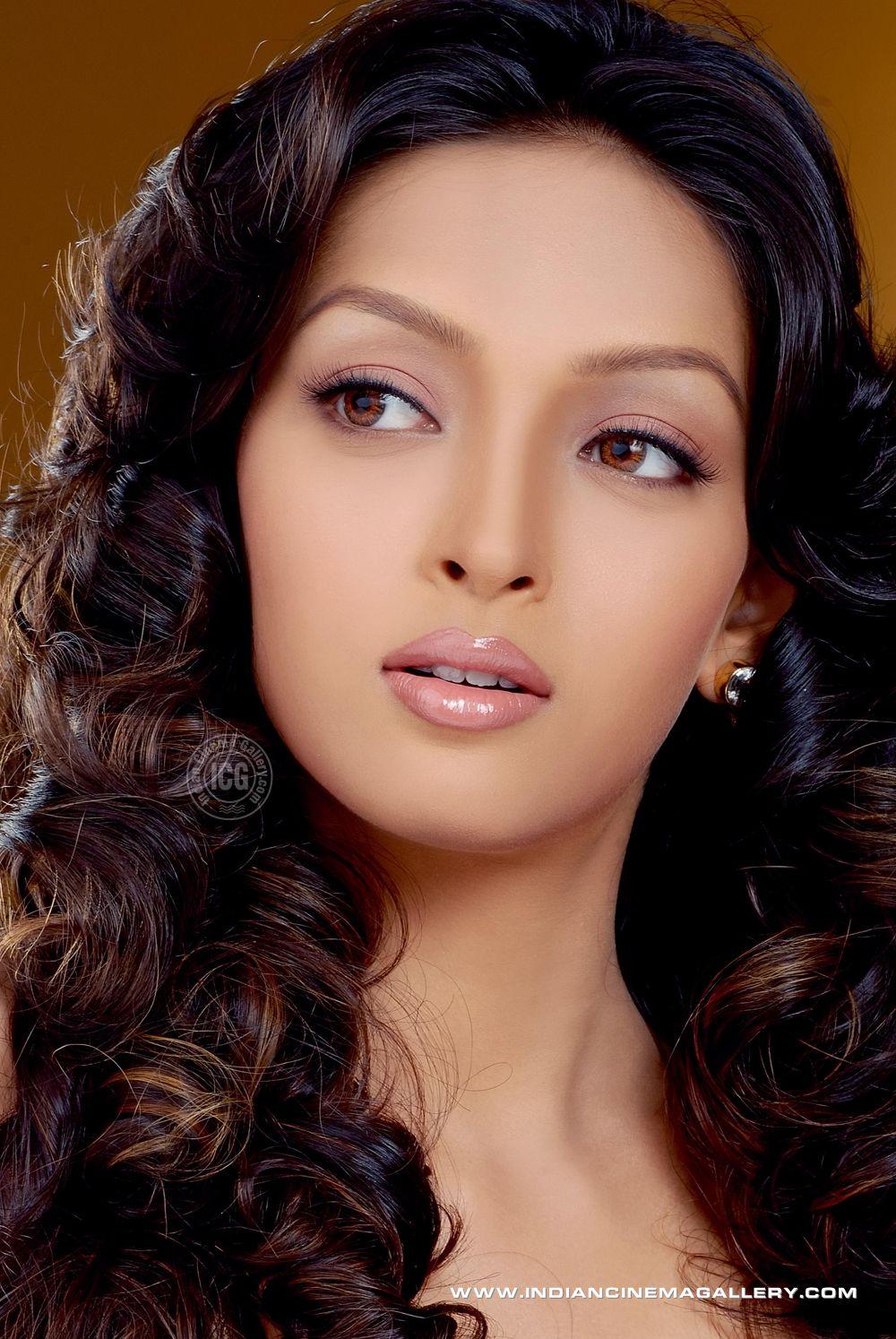 Mesmerizing Girls Pooja Salvi