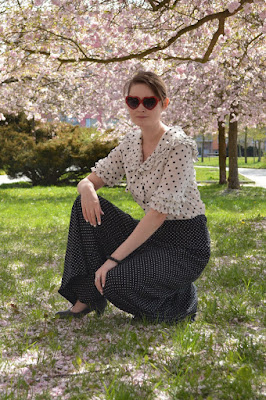 quaintrelle, georgiana, quaint, outfit, ootd, vintage, blouse, cherry blossoms