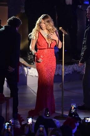 Mariah Carey sings in New York