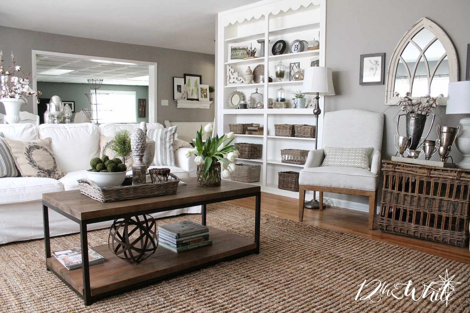 Savvy southern style favorite room 12th and white - Salon blanc et taupe ...