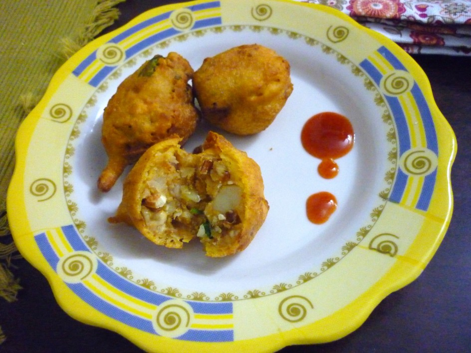 indian potato fritters recipes dishmaps indian potato fritters recipes ...