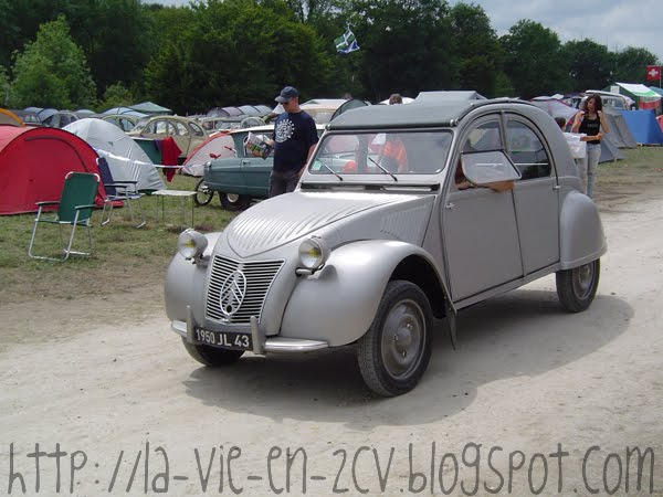 la vie en 2cv 19e rencontre mondiale des amis de la 2cv salbris 2011 2. Black Bedroom Furniture Sets. Home Design Ideas