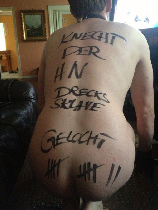 pain bdsm tattoo im intimbereich