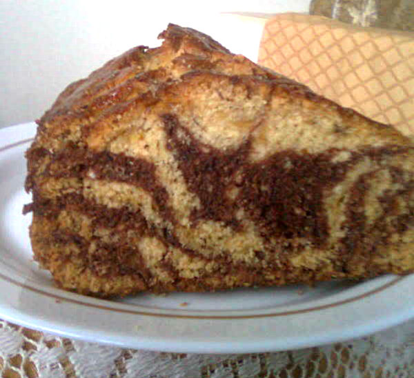TREAT & TRICK: BANANA CHOCOLATE BREAD, MARBLED