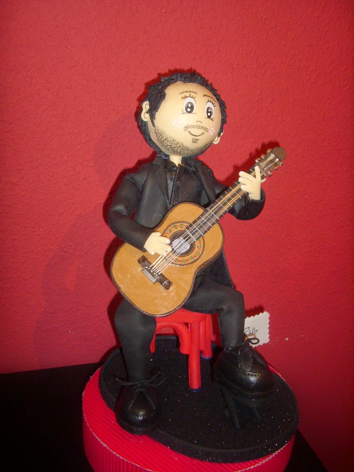 Mis creaciones m s m sicos un guitarrista for Taburete para tocar guitarra