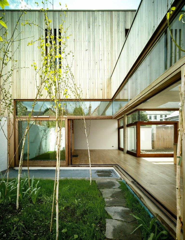 Rumah Asri Dengan Taman Dalam