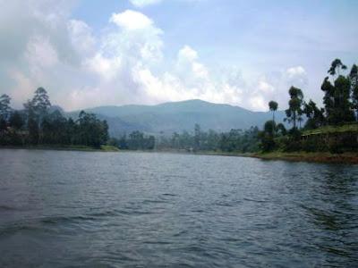 Indahnya Danau Parahyangan Situ Cileunca
