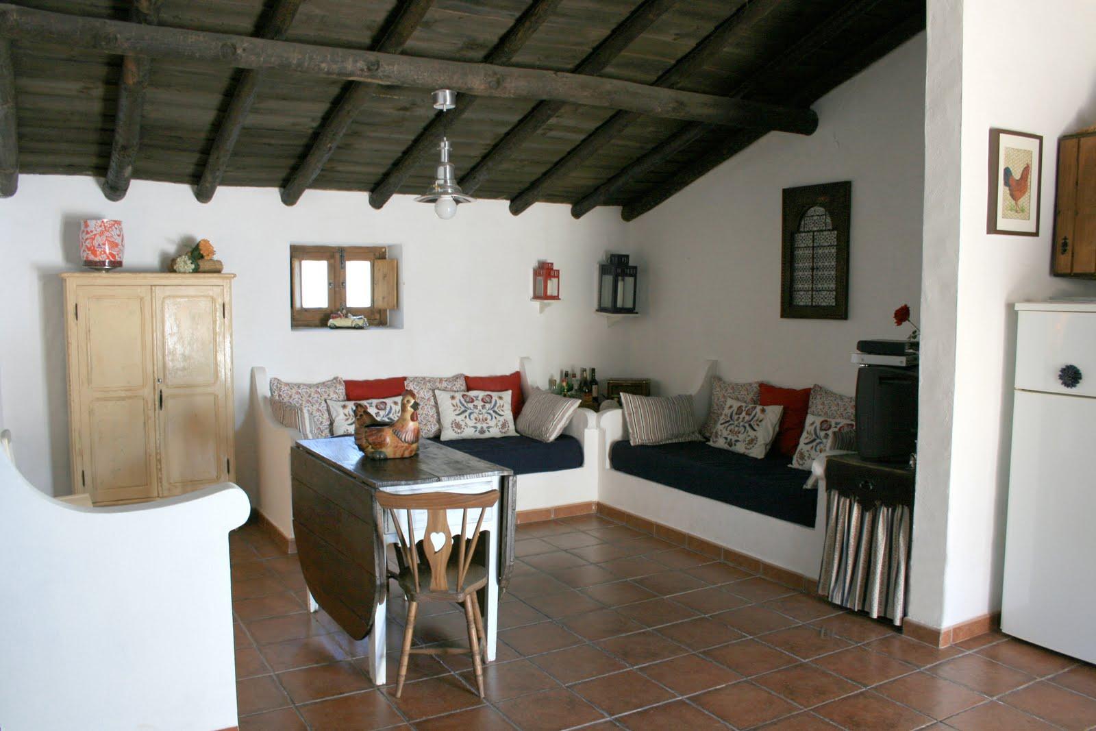 #624A38 Três Marias: Arquitetura tipicamente alentejana. Entrada pela cozinha  1600x1067 px A Cozinha Mais Recente Projeta Fotos_836 Imagens