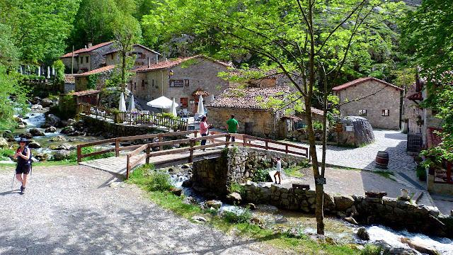 Bulnes - Parque Nacional Picos de Europa - Asturias