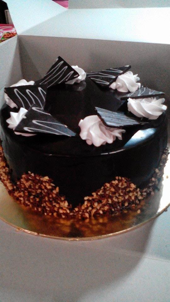 choc. moist cake RM 65..size 9 inci