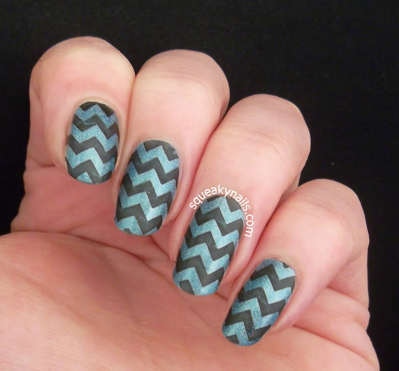 Chevron Nail Art With Canvas