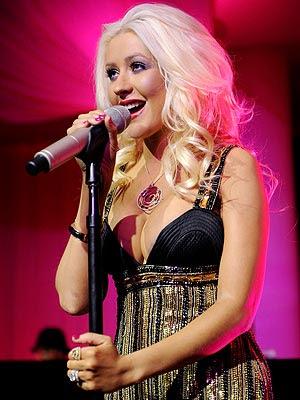 Christina Aguilera Wal... Eva Green
