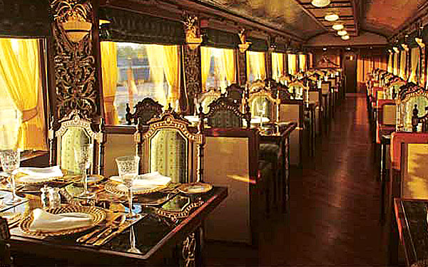 Mayur Mahal - The Dining Car