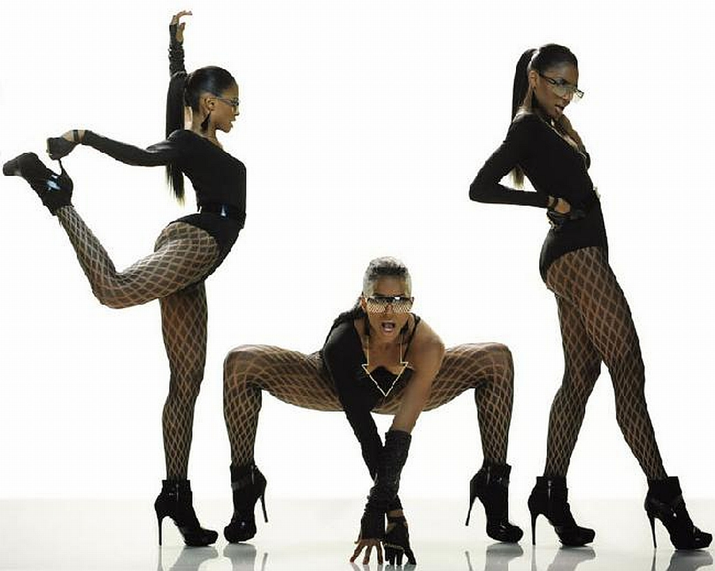 http://1.bp.blogspot.com/-FUyqfZhptCQ/UH17frH8TtI/AAAAAAAAADM/ZjfNiBlrAtI/s1600/ciara-a-black-outfit-heels-hq-hd.jpg
