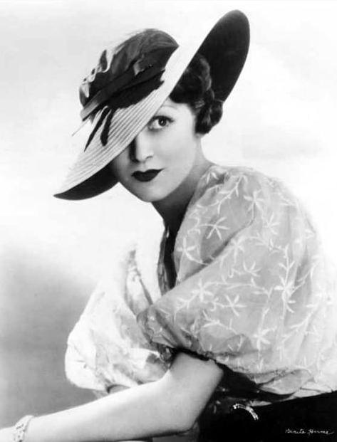 Benita Hume #1930s #fashion #30s #style #hat
