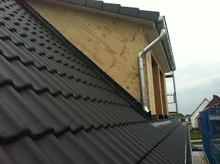 unser b steinhaus wir haben ein dach ber dem kopf. Black Bedroom Furniture Sets. Home Design Ideas