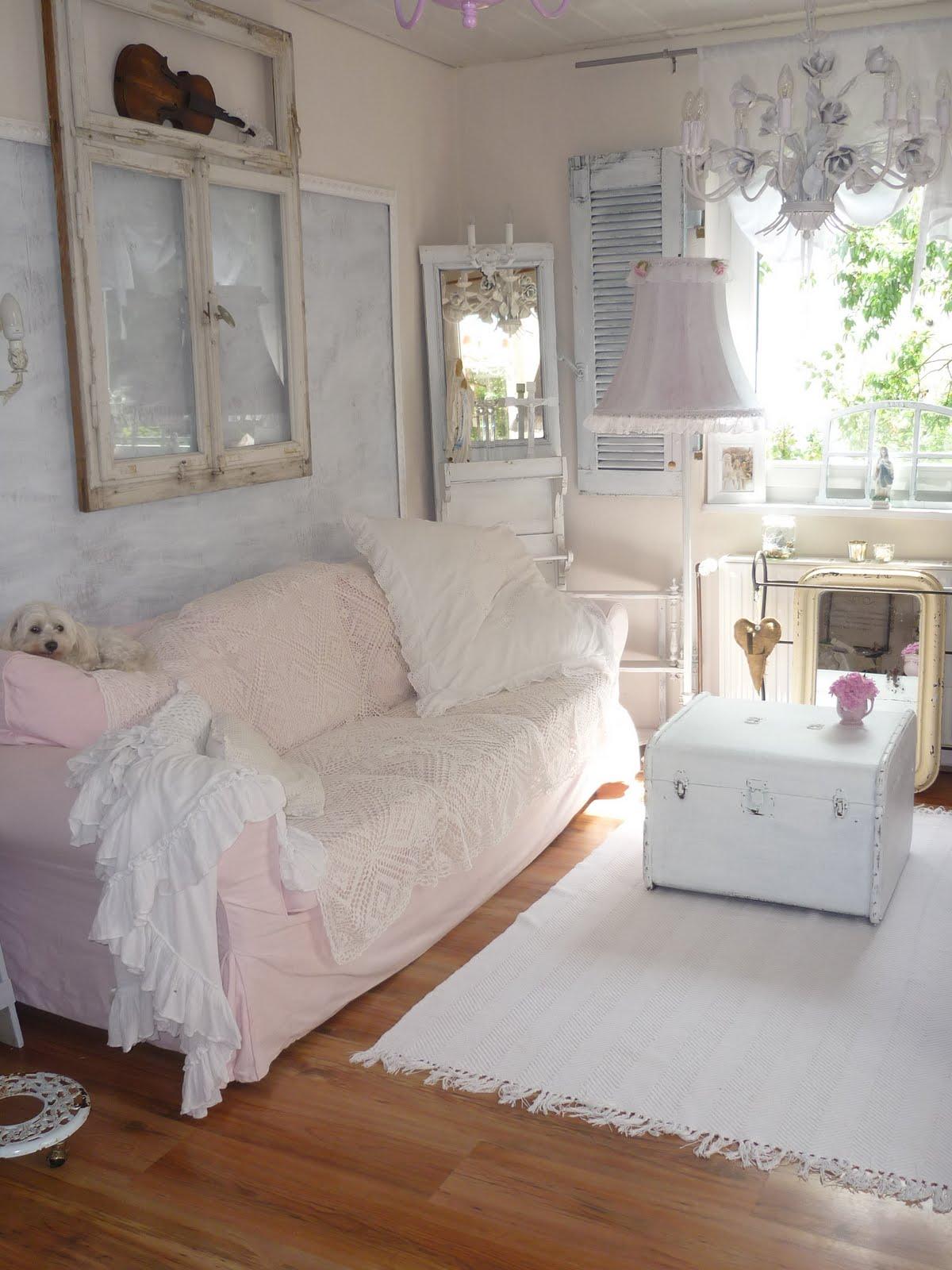 heavens ros cottage mehr wei e romantik im wohnzimmer. Black Bedroom Furniture Sets. Home Design Ideas