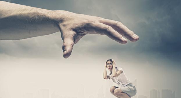 5 Shenja - po jetoni në një Marrëdhënje të Manipuluar