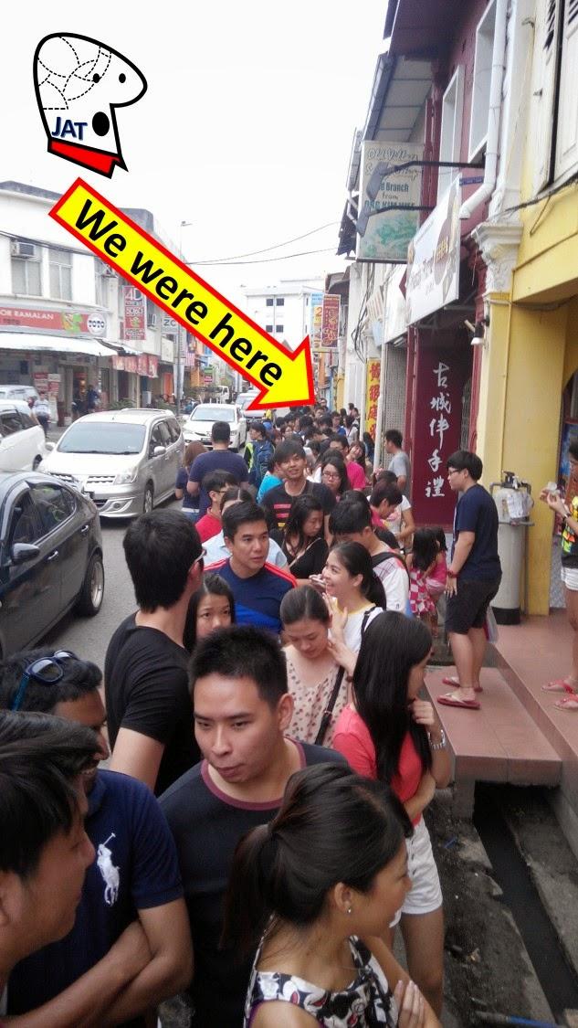 Restoran Capitol Satay - the wait.