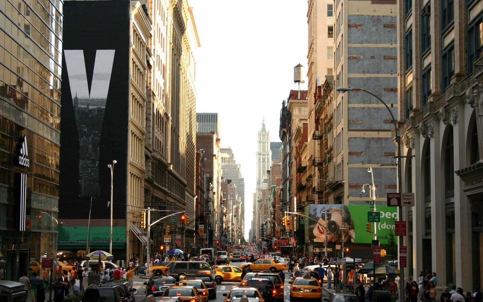 http://1.bp.blogspot.com/-FVJX2HvUqbI/TsNryJJbRMI/AAAAAAAAAeg/c4RokqxnGJ8/s1600/new-york-streets%2528www.TheWallpapers.org%2529-1680x1050.jpg