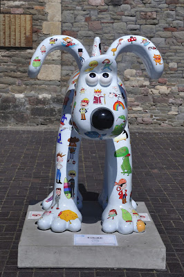 Collarfull Gromit (front view)