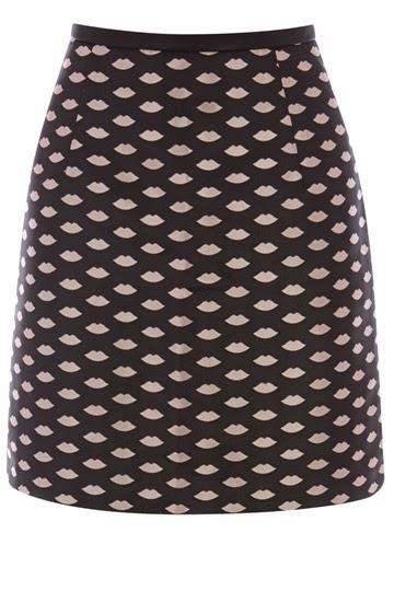 lip print skirt