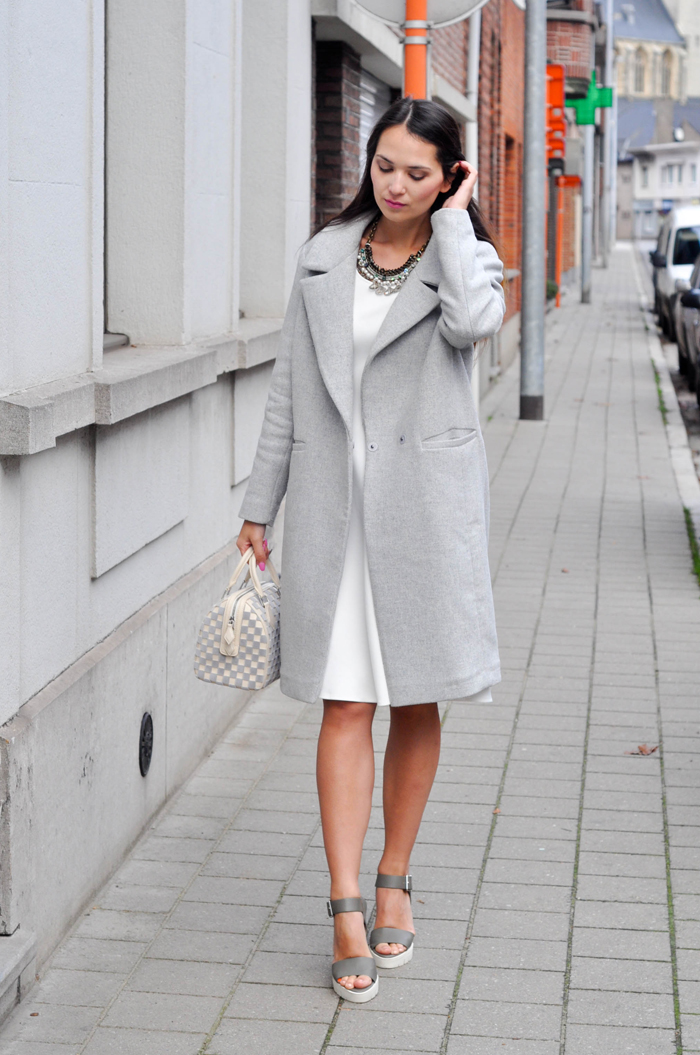 Grey coat/White dress - INSOMNIA