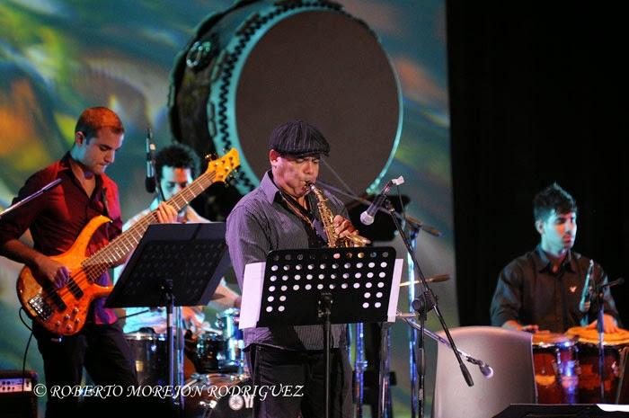 Presentación de César López y Habana Ensemble, durante la realización de la gala artística en ocasión de la celebración de los 400 años de amistad entre Japón y Cuba