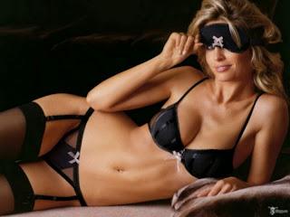 Top G string bikini girls