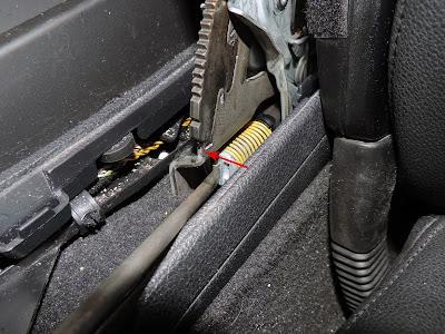 Tensado del freno de estacionamiento en BMW Serie 1 y serie 3 en Blogmecanicos