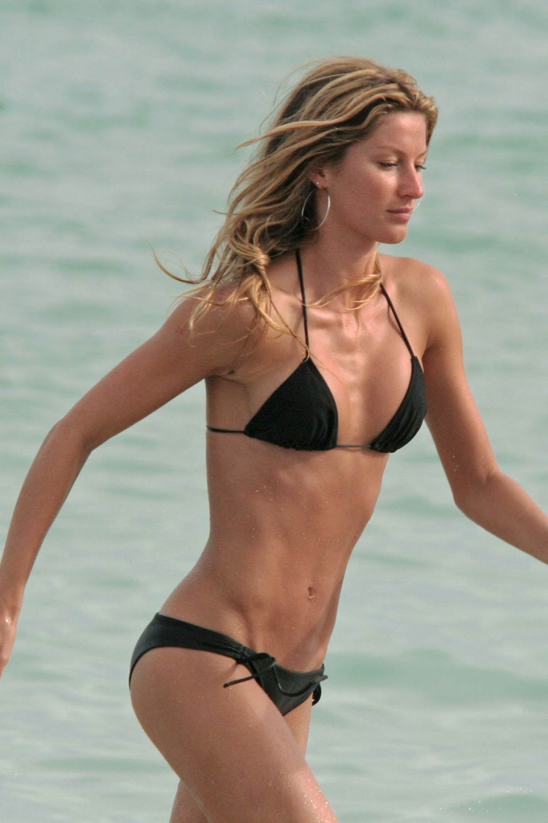Gisele Bundchen Bikini Wallpapers | Celebrity Hot ... Gisele Bundchen