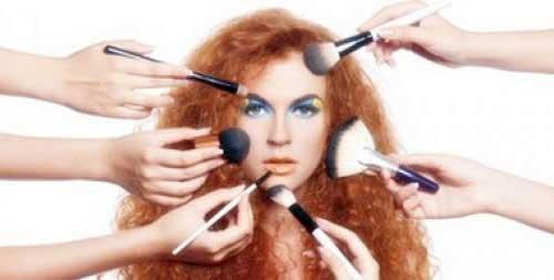 señales de utilizar demasiado maquillaje