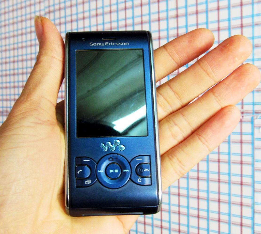Sony Ericsson W595 giá 650k điện thoại chuyên nghe nhạc walkman có 3G java máy đẹp nghe nhạc hay giá rẻ