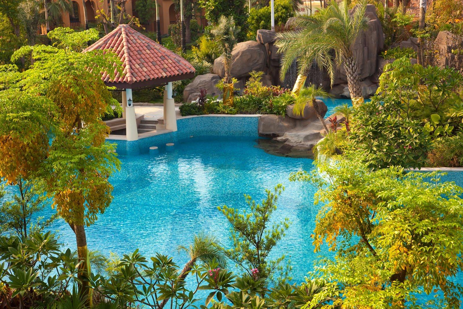 http://1.bp.blogspot.com/-FWJ2WaUTxoY/UKBUda4N69I/AAAAAAABPyA/Xz-MkghYMX8/s1600/piscinas-de-agua-clara-en-un-nuevo-distrito-chino.jpg