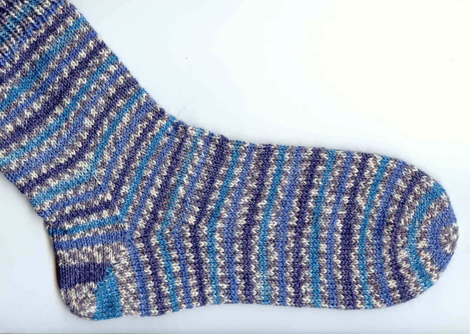 Sock Yarn : Saras Colorwave Blog: PATTERNED SOCK YARNS