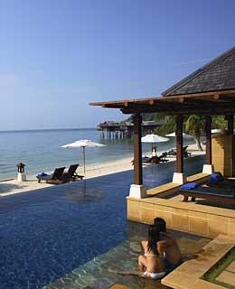 Blog fuad informasi dikongsi bersama top 10 hotel - Invisible edge pool ...
