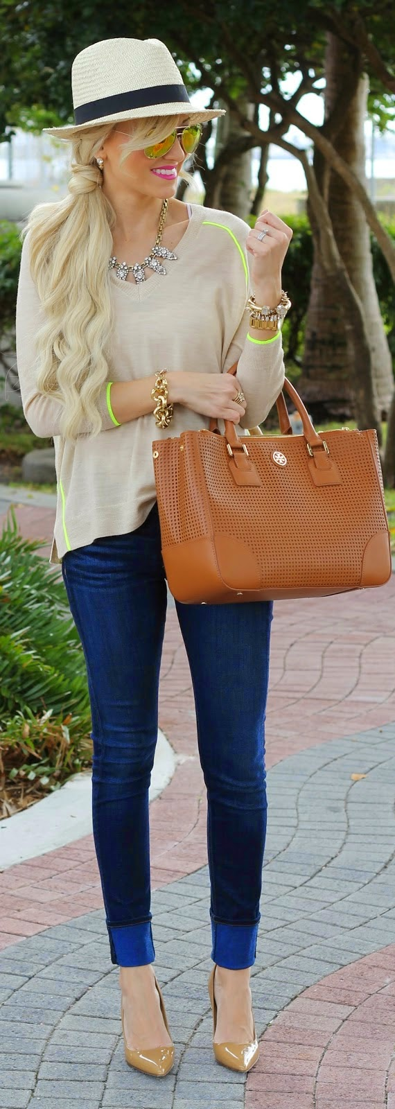 J.Crew Sweater with Love Neon Detailing and Skinnies Jeans | Chic Street Outfits