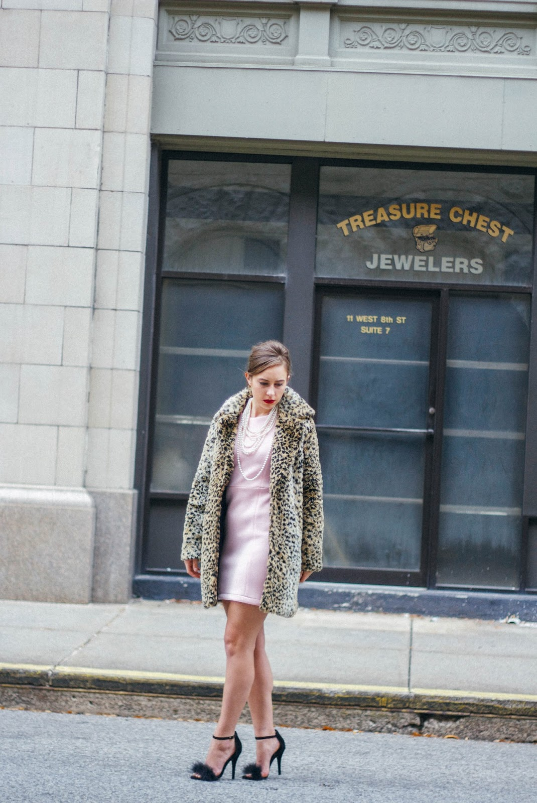 vintage, vintage style, audrey hepburn style, breakfast at tiffany's outfit, modern, pink nasty gal dress, fluffy black heels, retro, film, screenwriting, formal wear, fashion blogger, style blogger, classic look, old hollywood look, hollywood regency outfit,