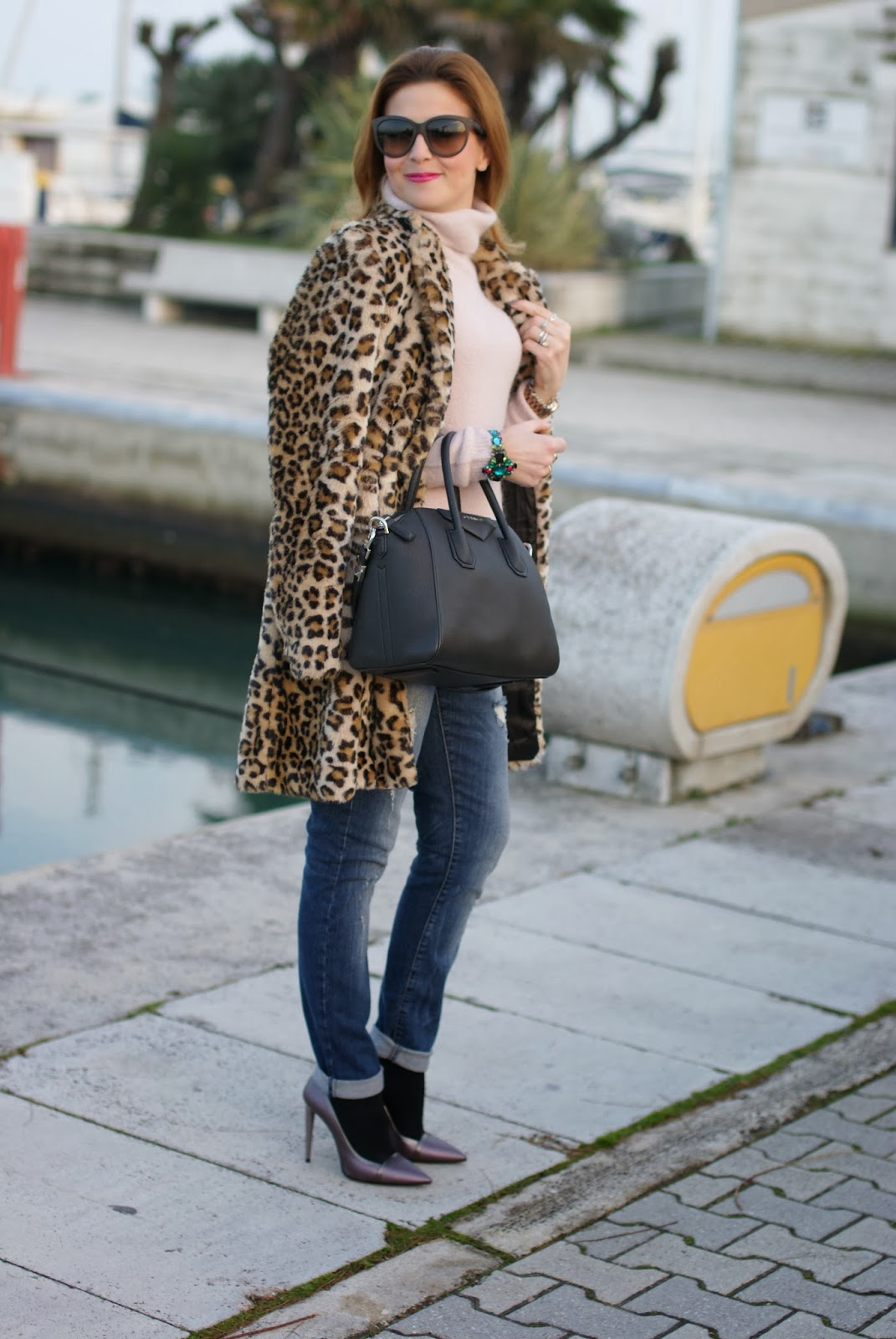 zara leopard coat, leopard faux fur coat, pink sweater, metallic heels, givenchy antigona bag, fashion and cookies, fashion blogger