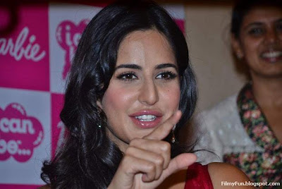 katrina_kaif_juicy_lips_FilmyFun.blogspot.com